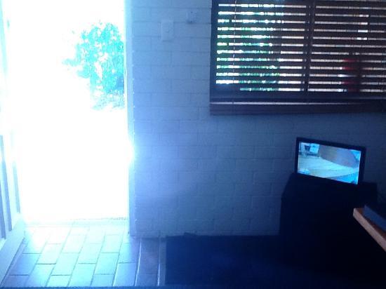 Coochiemudlo Island, Австралия: A TV the size of an iPad