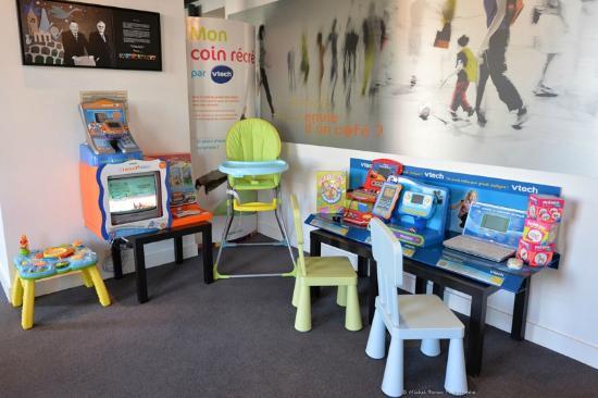 Ibis styles Vannes Gare Centre : Jeux pour enfants