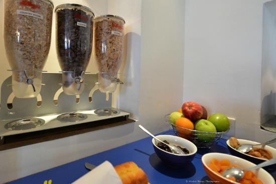 Ibis styles Vannes Gare Centre : Buffet petit-déjeuner