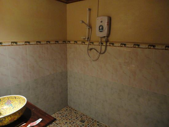 Lao Lu Lodge: Chuveiro / Shower