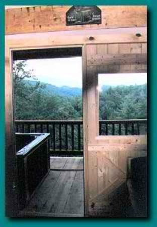 Delicieux Blue Smoke Mountain Cabins: View From Wind Rider Living Area