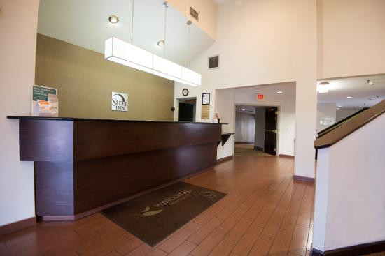 Cheap Hotel Suite With Indoor Pool In Memphis Tn