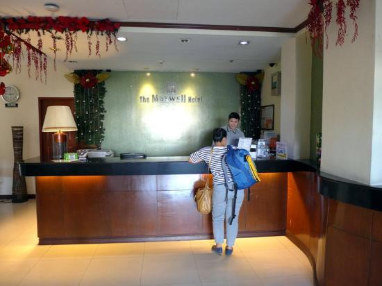 The Maxwell Hotel : Front desk