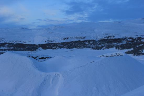 Bifrost, أيسلندا: Krater kann man nur ahnen im Schnee