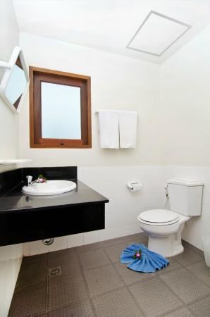 Diamond Place Hotel: Bathroom