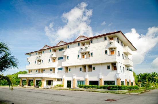 Diamond Place Hotel: Exterior