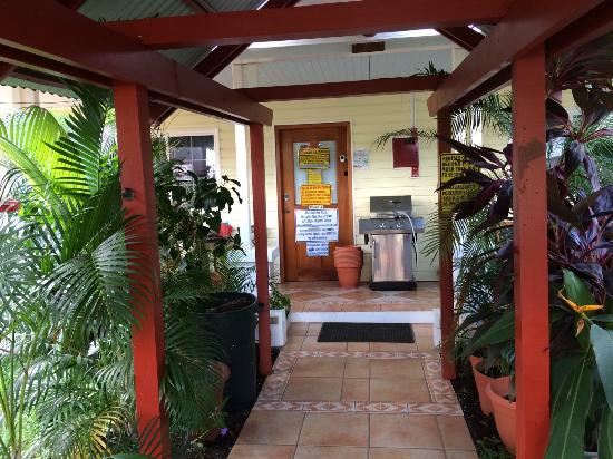 Bocas Condos: Entrada del hotel