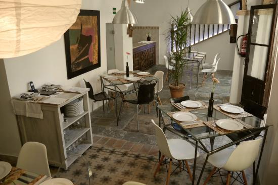Sal n y patio picture of restaurant el espejo gastrobar - Espejos en el comedor ...