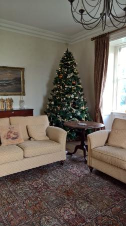 Kilmahon House: Drawing Room to relax and have coffee