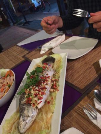 chilli: Steamed fish with lemon sauce