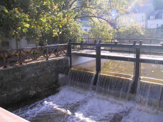 La Chartre-sur-le-Loir, ฝรั่งเศส: barrage