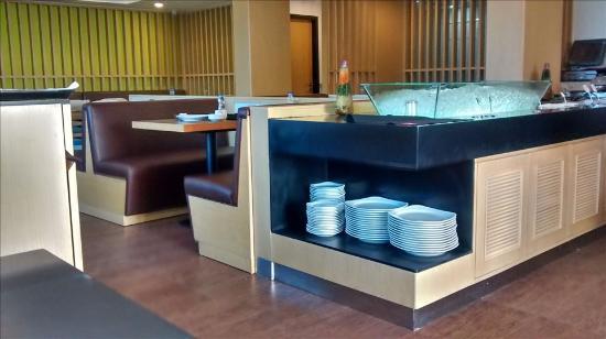 Radisson Blu Hotel Amritsar: Buffet Breakfast at Tavolo Mondo Restuarant