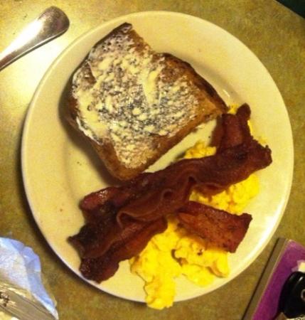 McCormick Cafe: McCormick  Cafe breakfast