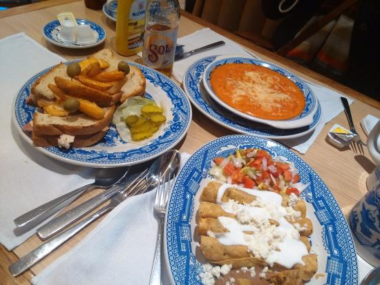 Comida mexicana picture of sanborns cafe mexico city for Sanborns restaurant mexico