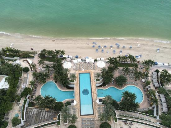 room 3259 balcony picture of the diplomat beach resort. Black Bedroom Furniture Sets. Home Design Ideas