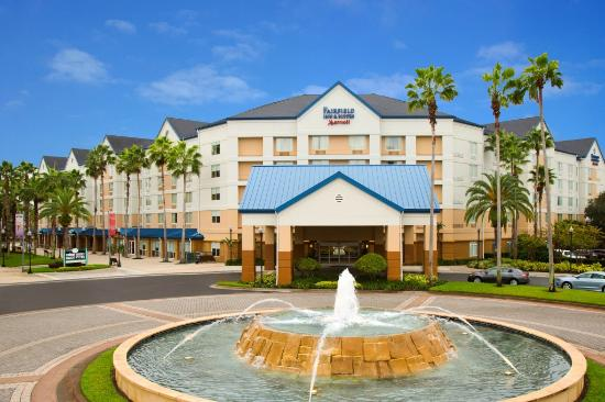 Fairfield Inn & Suites Orlando Lake Buena Vista in the Marriott Village: Exterior Day