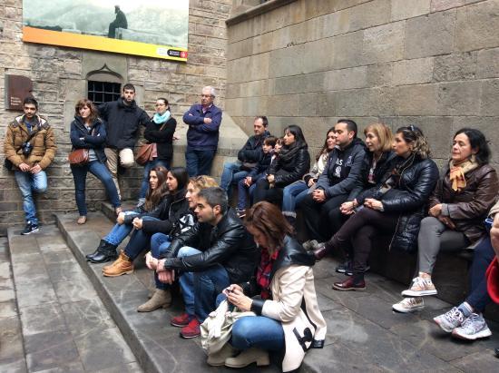 Plaça del Fossar de les Moreres- El Born - Picture of ...