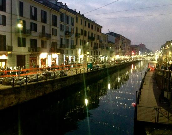 Residence & Hotel  Aramis Milan Downtown: CANAL ON XMAS TIME