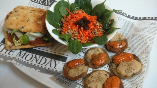 La Tertúlia-Menjant amb alternatives