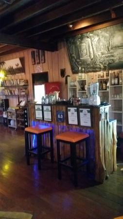 El Greco Lounge bar/Greek Restaurant: El Greco lounge bar / Greek restaurant / Guest house! !