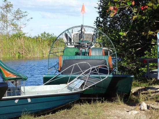 Everglades City, FL: VVM-VOP@DownSouthAirboat-Boats