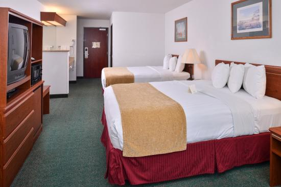 Liberty Inn Lincoln City: Double Queen Suite