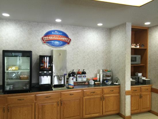 Albany, MN: Breakfast room