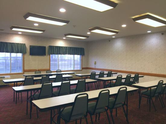 Albany, MN: Meeting Room