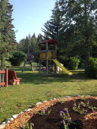 Harvie Heights, Canada: Gateway Inn - Canmore - Children's Park