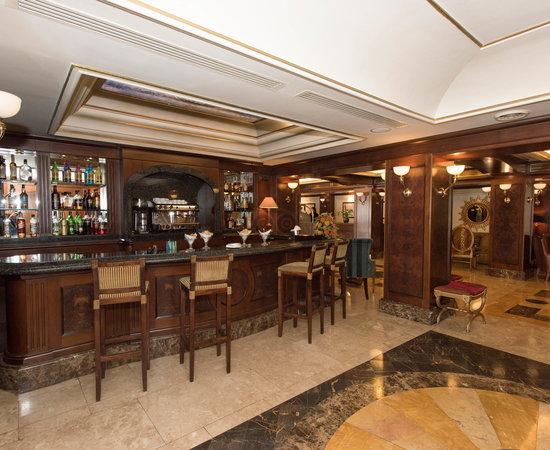 River Chateau Hotel $141 ($̶1̶8̶2̶) - UPDATED 2018 Prices ...
