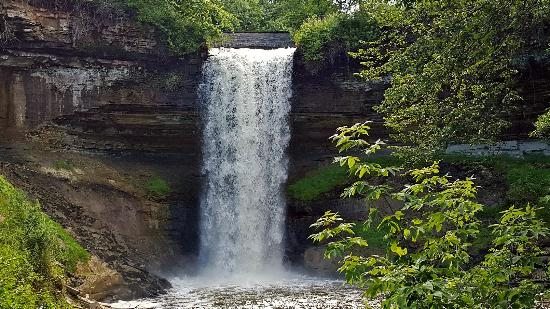 Minnehaha Park flowers - picture of minnehaha park, minneapolis - tripadvisor