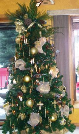 Elk Ridge Bed & Breakfast: Oh Christmas Tree...