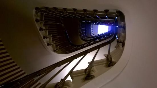 Hotel des Grands Hommes: Stairs Up