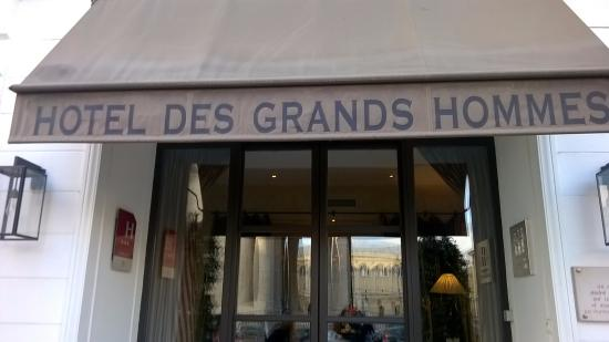 Hotel des Grands Hommes: The front of the hotel