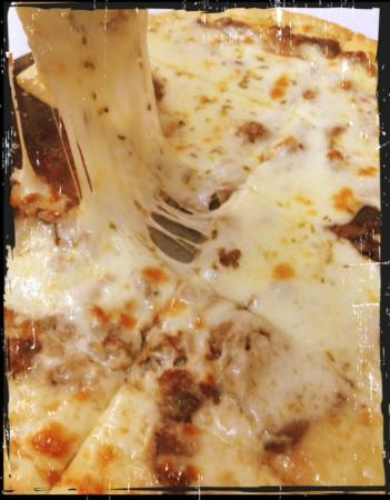 Hampton, TN: The Bronx Legend (Prime Rib Pizza)