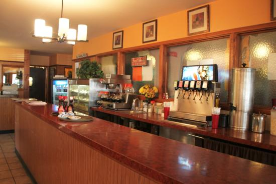 Mountville, Pensilvania: The beverage bar and bus station