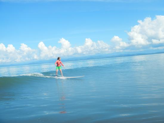 Costa Rica Stand Up Paddle Boarding: kids surfing