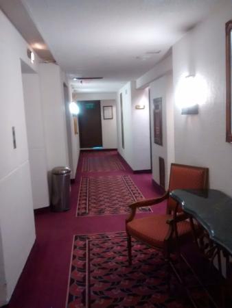 Palacio Del Sol: Vista de un pasillo del hotel.