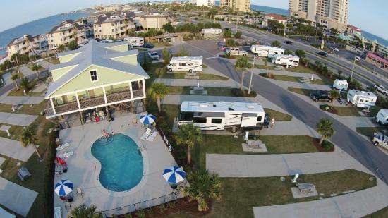 Pensacola Beach RV Resort: Pool view looking east