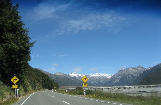 Westland National Park (Te Wahipounamu), New Zealand: close to Arthur's Pass Village (from Christchurch)
