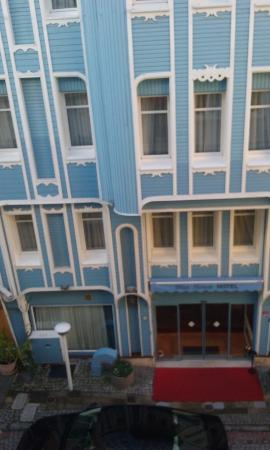 Aristocrat Hotel: view2
