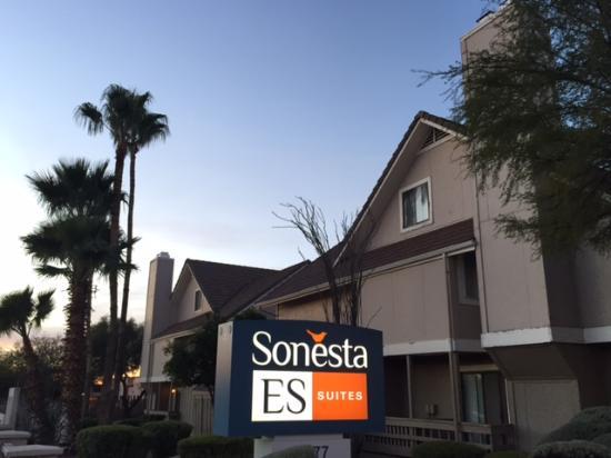Sonesta ES Suites Tucson: Sonesta Sign