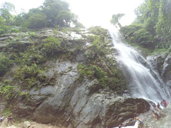Curug Bild från Curug cigentis, Karawang TripAdvisor