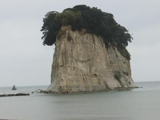 Ishikawa Prefecture, Japan: 見附島