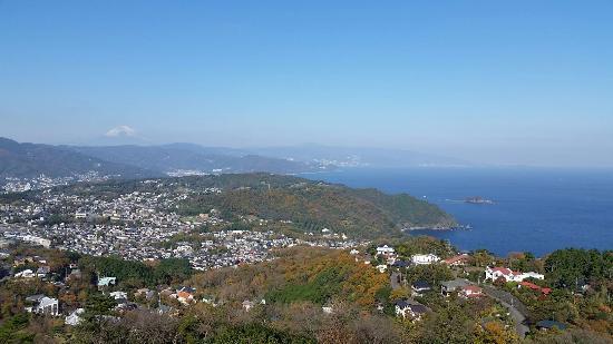 小室山展望台からの景色 - 伊東市Komuroyama Park的圖片 - TripAdvisor