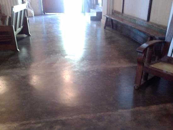 Balay ni Tana Dicang: Entry way without the tiles