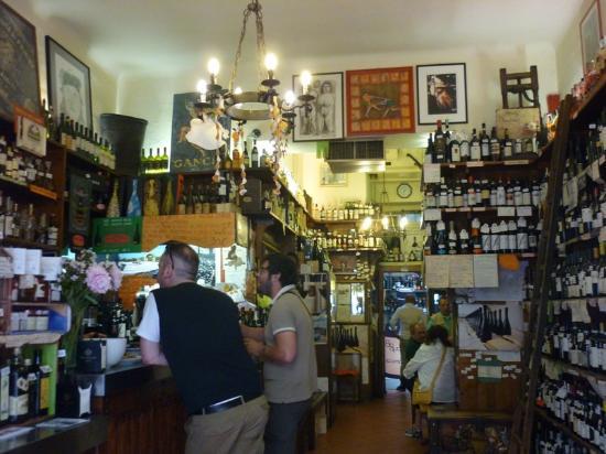 Cantine Isola: barra