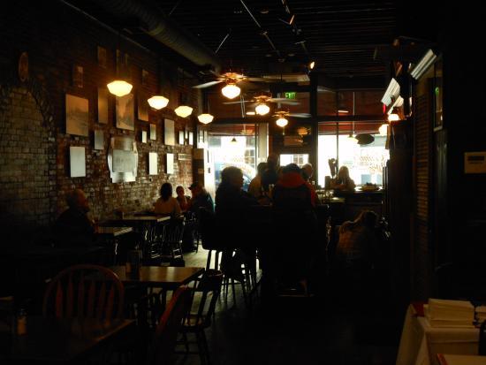 Grass Valley, CA: Cirino's Bar, adjacent the dining room
