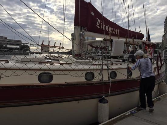 Olde World Sailing Line: Lionheart arriving at the docks!