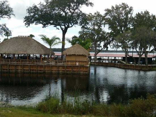 Crescent City, FL: Renegades on the River
